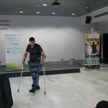Se presenta el Re-walk en ASPAYM Madrid