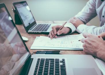 Oferta de empleo: 5 puestos de ingeniero de Software